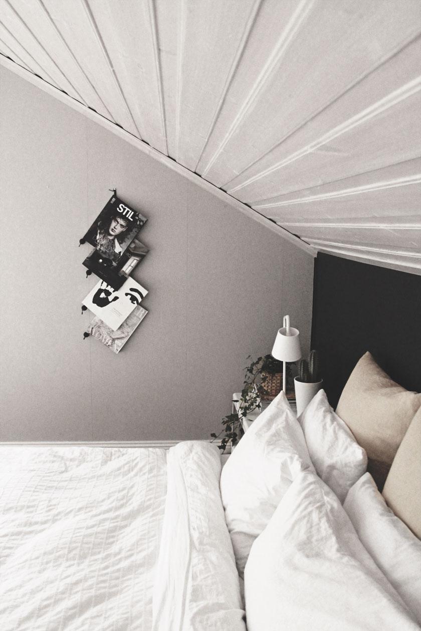 Dark_Bedroom_03