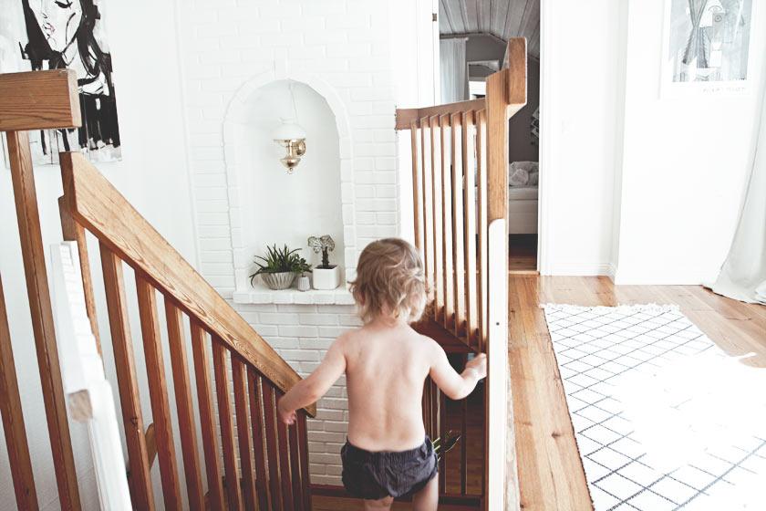 Hallway_Upstairs_04